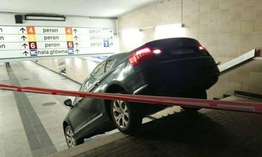 Myślał, że to parking podziemny