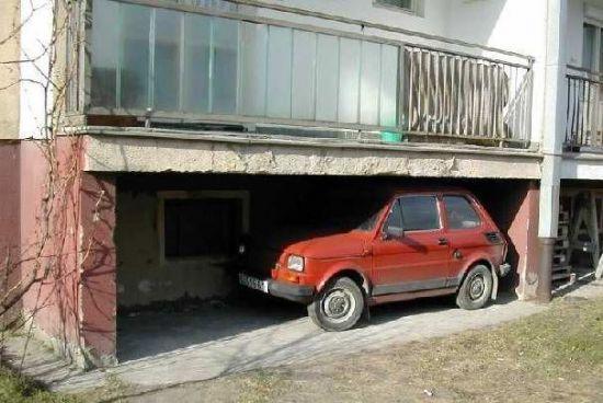 Dla maluszka każda wnęka mogła być garażem