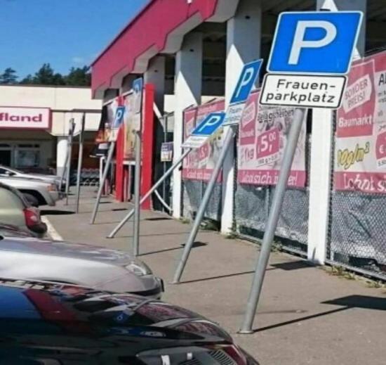 Ciekawe czy są parkingi tylko dla mężczyzn?